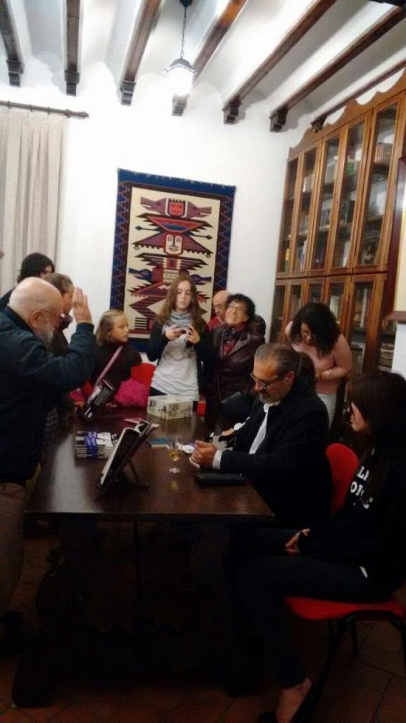 Néstor Belda │ Escritura Creativa: Extrañamiento, Mireya Alcaráz